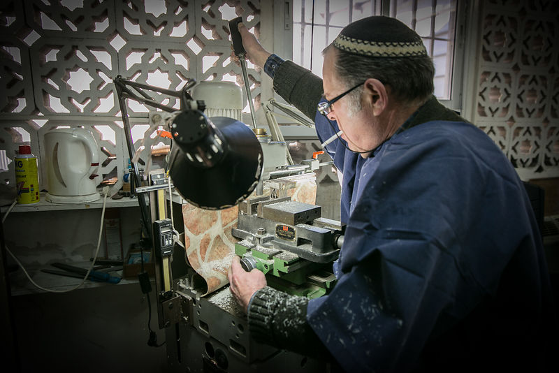 Handmade tefillin production