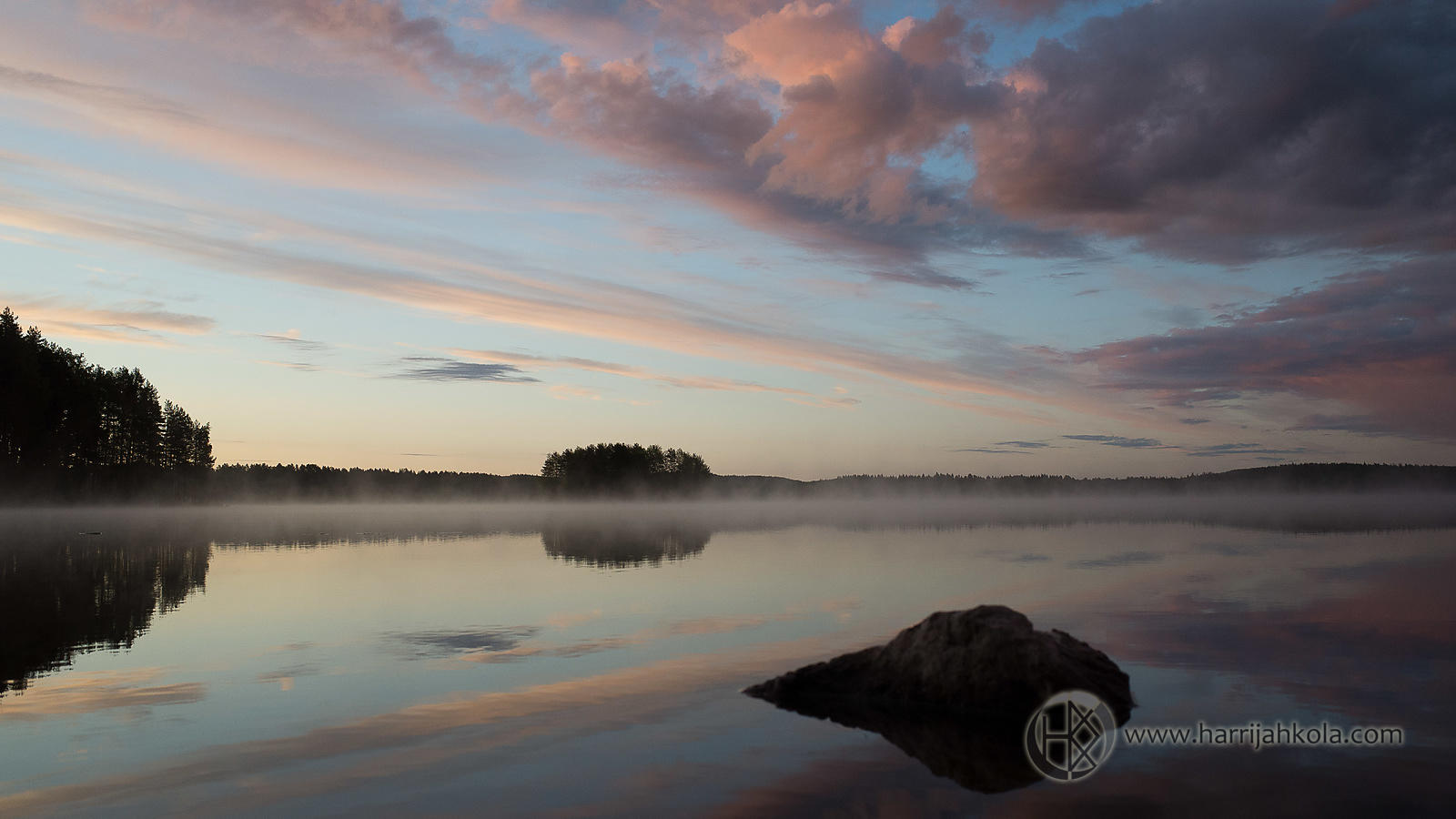 Finland - Jämsä (Sunrise Colors on Kankarisvesi Lake)