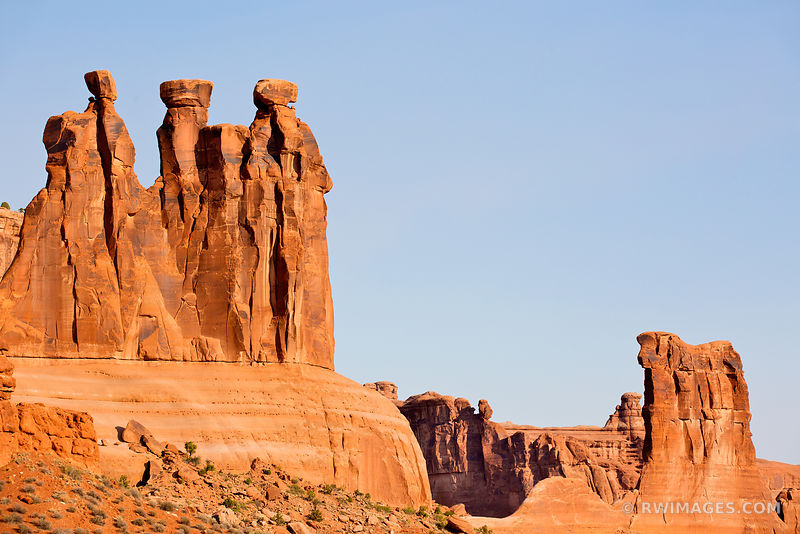 THREE GOSSIPS ARCHES NATIONAL PARK UTAH