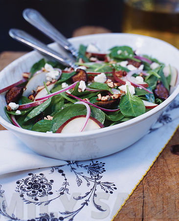 Spinach, Anjou Pear, and Red Onion Salad
