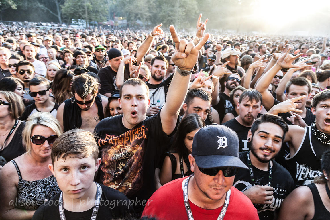 Fans waiting for Five Finger Death Punch, Aftershock 2014