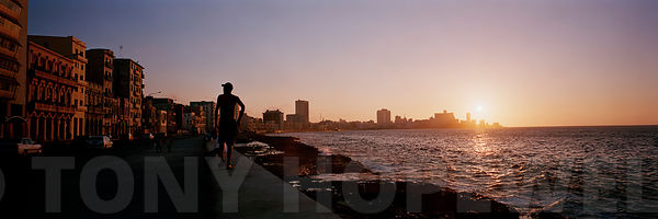 malecon_sunset.final