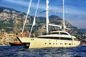 Superyacht Aresteas