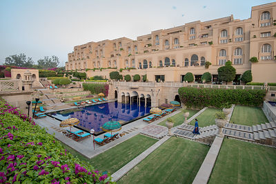 Swimming_Pool_-_The_Oberoi_Amarvilas_Agra_(6)_v1_current