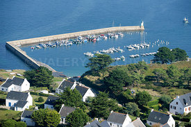 photo du port St Gildas sur l'ile de Houat
