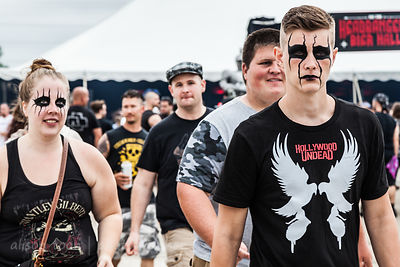 Metal and rock fans, Chicago Open Air