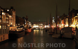 Nyhavn by night