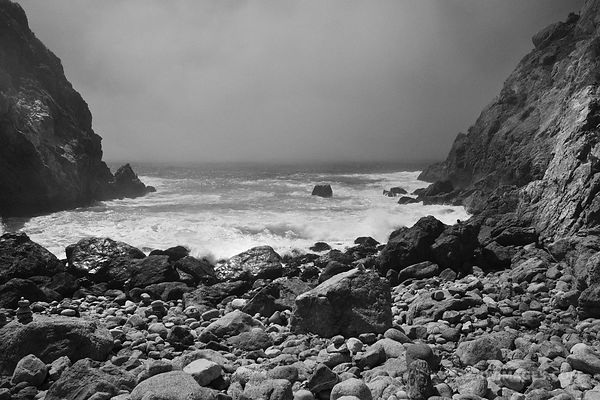 PARTINGTON COVE BIG SUR CALIFORNIA BLACK AND WHITE