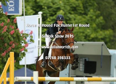 Horse & Hound Foxhunter - 1st Round photos