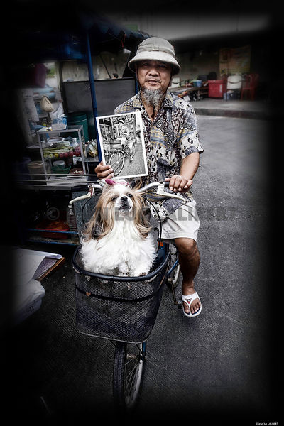 _Portrait_BKK_le_casque_colonial