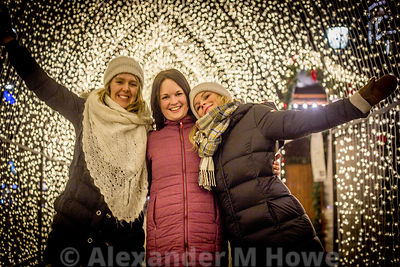 Norwegian girls enjoying the tunnel of light in Oslo