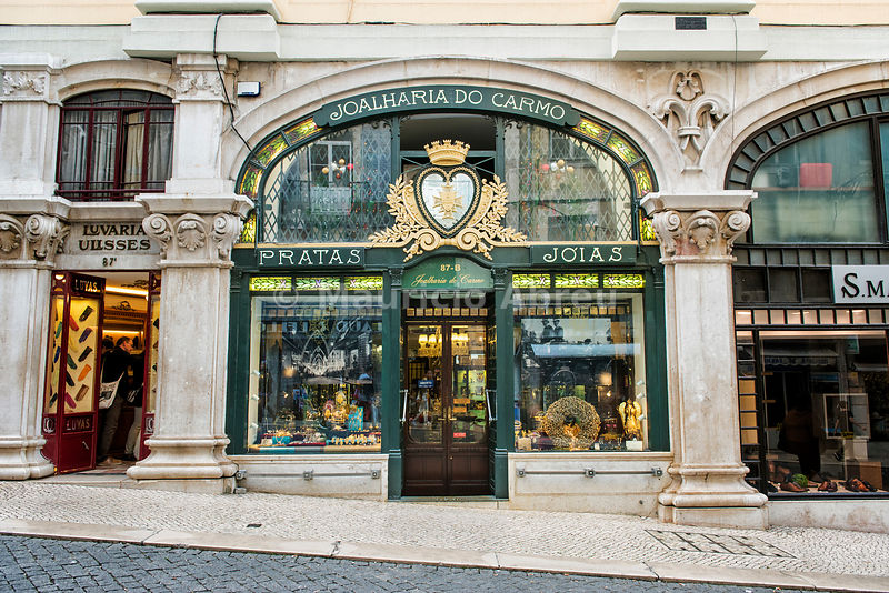 The classy and famous Carmo Jewelry (Joalharia do Carmo), founded in 1924, at Christmas time. Lisbon, Portugal
