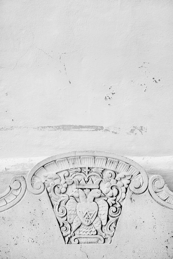 OLD STONE BENCH SPANISH GOVERNOR'S PALACE SAN ANTONIO TEXAS BLACK AND WHITE