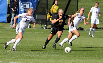 IOWA_NORTHWESTERN_SOCCER04