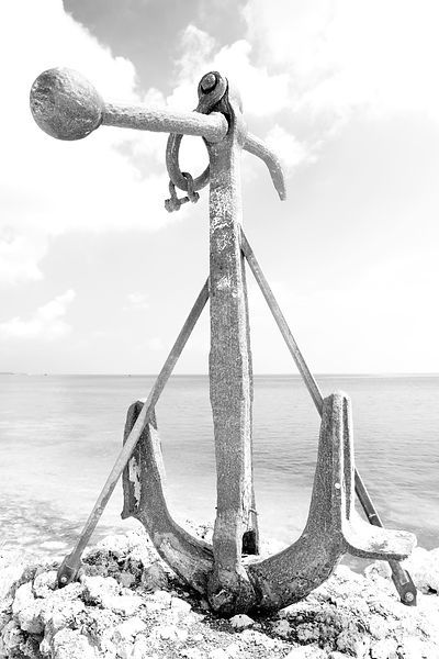OLD RUSTY SHIP ANCHOR ISLAMORADA FLORIDA KEYS FLORIDA BLACK AND WHITE