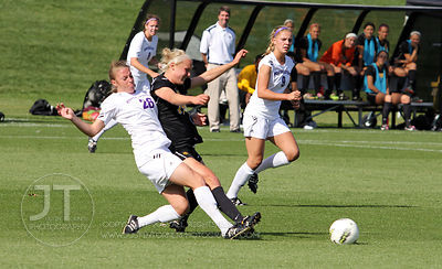 IOWA_NORTHWESTERN_SOCCER05