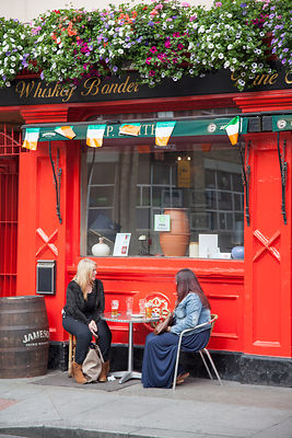 Women drinking beer, Dublin, Ireland