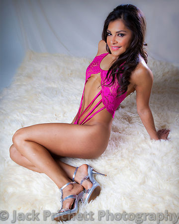 _MG_2394-Edit_Kat_sitting_pretty_8x10_pp_copy