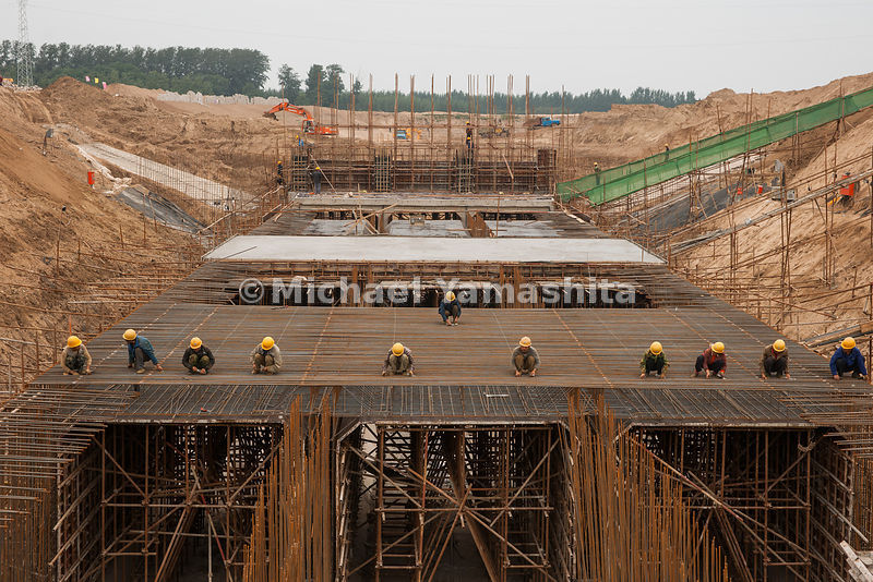 Dezhou pics of South North Water Diversion Project. This section started in June will be finished end of October. Will bring water from the Yellow River to Tianjin by 2012