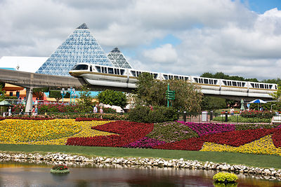 Monorail-EPCOT-Imagination-6975