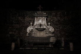 Mascherone fountain in Via Giulia.