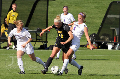 IOWA_NORTHWESTERN_SOCCER03
