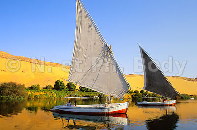 FELOUQUES SUR LE NIL, ASSOUAN, EGYPTE//FELUCCAS ON THE NILE, ASWAN, EGYPT