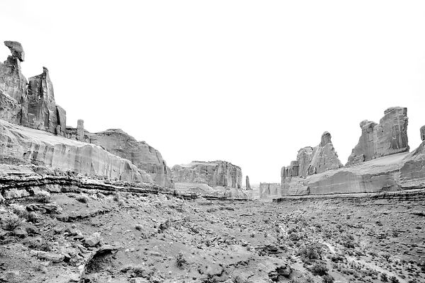 PARK AVENUE TRAIL ARCHES NATIONAL PARK UTAH BLACK AND WHITE