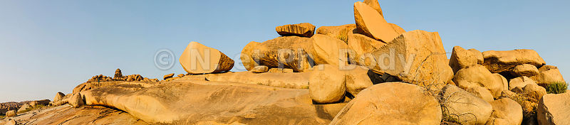 !Inde, Karnataka, Hampi site classé au Patrimoine mondial de l'UNESCO, ancienne capitale du royaume Vijayanagara, la vallée de la rivière Tungabhadrâ//India, Karnataka, Hampi, on the World heritage list of UNESCO, former capital of Vijayanagara kingdom, the Tungabhadrâ river valley