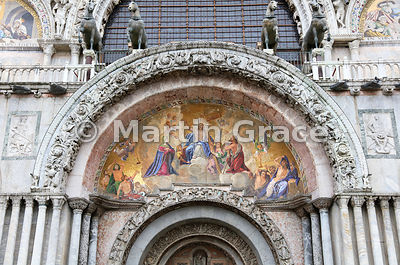 19th century mosaic 'Christ in Glory' (Lattanzio Querena, 1768-1853), above central door of St Mark's Basilica (Basilica di San Marco), Venice, Italy