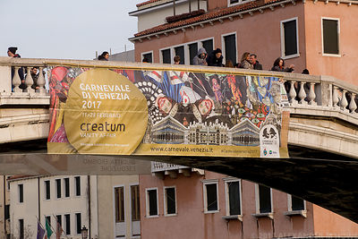 Banner announcing the Carnival of Venice on the Ponti degli Scalzi