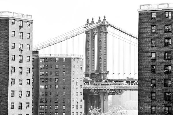 MANHATTAN BRIDGE NEW YORK BLACK AND WHITE