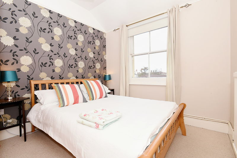 Property - Airbnb - Sian Irvine.....Mew Cottage, Marine Parade. Bognor Regis, West Sussex. PO21 2LT.....Picture: Liz Pearce. 03/03/2016.........
