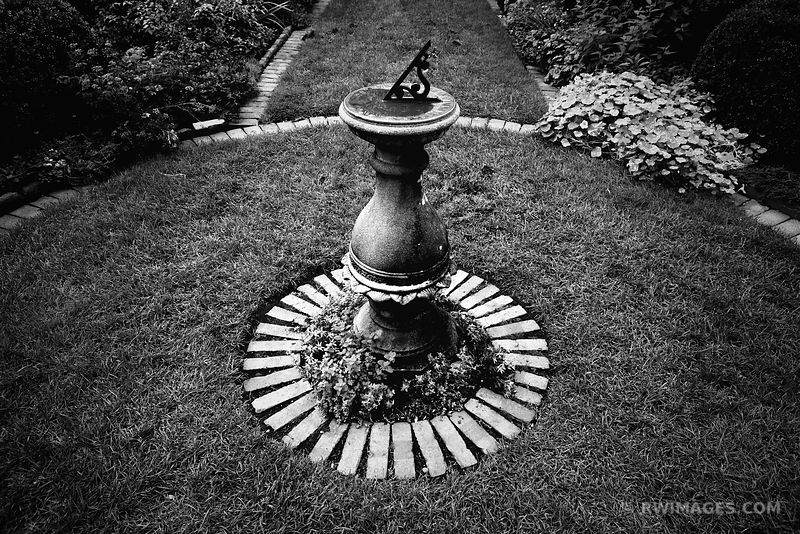 SUNDIAL SHAKESPEARE GARDEN EVANSTON ILLINOIS BLACK AND WHITE