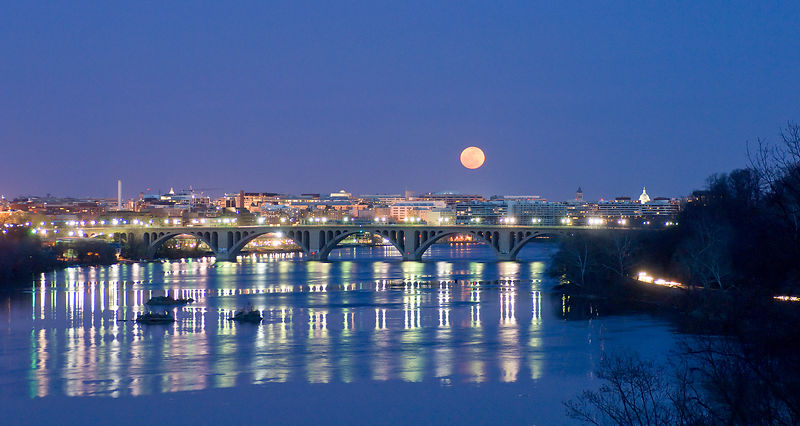 017-WD13093_Moonrise_Over_Key_Bridge_Preview