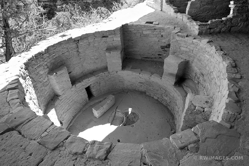 KIVA BALCONY HOUSE MESA VERDE NATIONAL PARK COLORADO BLACK AND WHITE