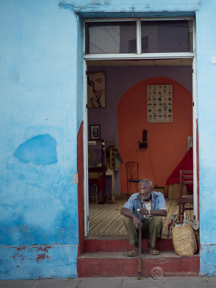 Cuba - Trinidad (Old Man and His Cane).ORF
