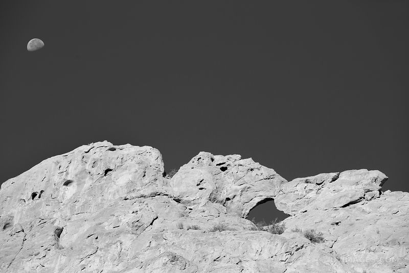 KISSING CAMELS GARDEN OF THE GODS COLORADO SPRINGS COLORADO BLACK AND WHITE
