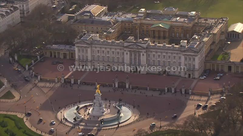 Aerial footage of Buckingham Palace, London