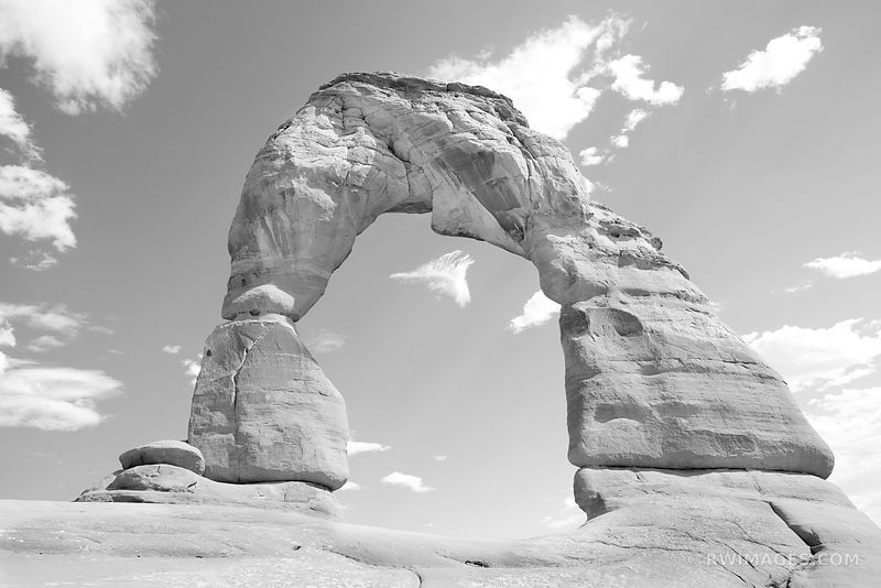 DELICATE ARCH ARCHES NATIONAL PARK UTAH BLACK AND WHITE