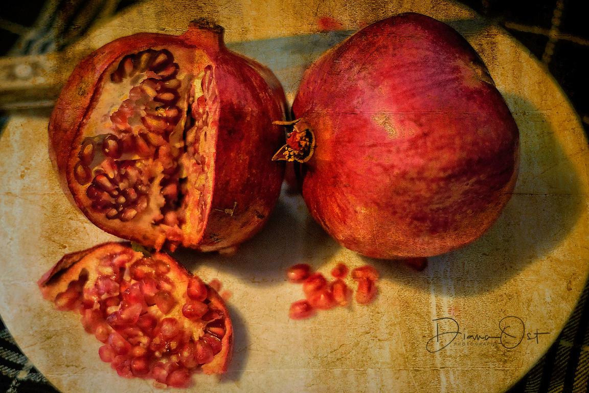 Pomegranites-with-knife-_-Diana-Ost-16x24