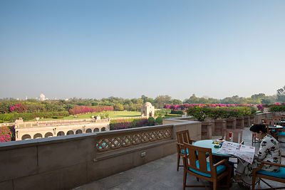 Taj_Mahal_view_from_The_Oberoi_Amarvilas_Agra_(1)_v1_current