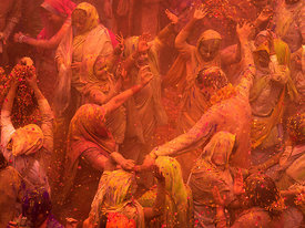 this photograph of the widows playing holi was shot in Vrindavan