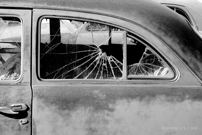 OLD CAR BROKEN WINDOW ROUTE 66 ARIZONA BLACK AND WHITE