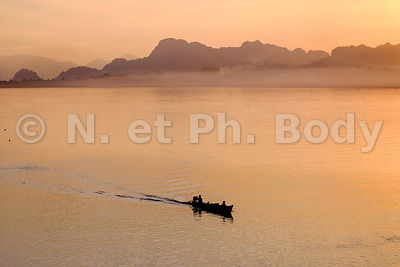 Than Lwyn or Salouen river , Hpa An, Kayin state, Myanmar