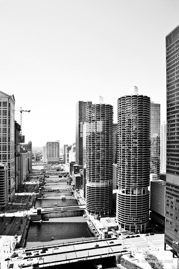 CHICAGO RIVER AND BRIDGES BLACK AND WHITE