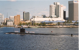 submarine_on_the_waterfront