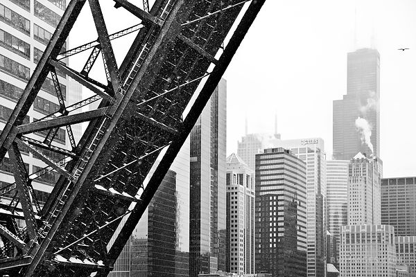 KINZIE BRIDGE AND SOUTH LOOP WINTER DAY HEAVY SNOWFALL CHICAGO BLACK AND WHITE