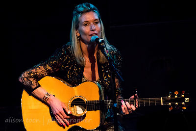 Hayley Moyses' Britgrass Three, Kinder Shores concert and CD launch