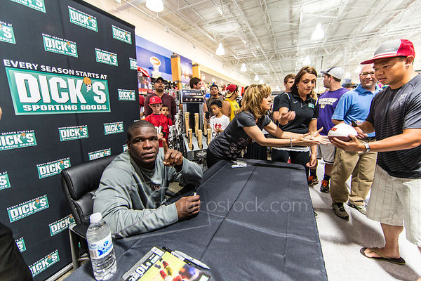 Another store opening for Dick's Sporting Goods photos